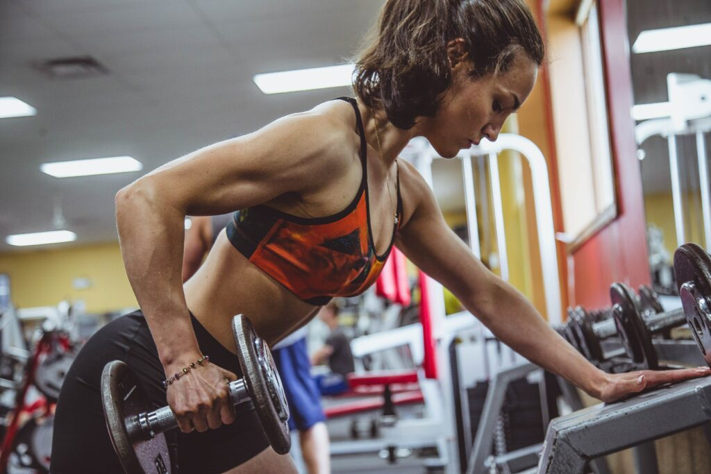 Full-body strength training can be done using six movements: chest press and pull, shoulder press and pull, hip hinge, and squat.
